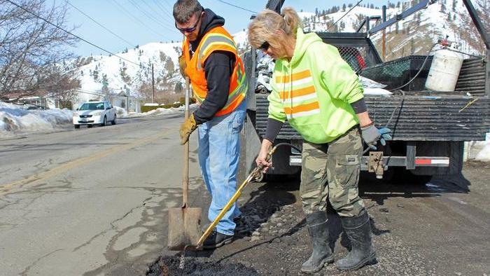 County crews on pothole patrol